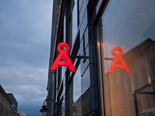 Åhléns | BOND #sign #signage #bond #branding