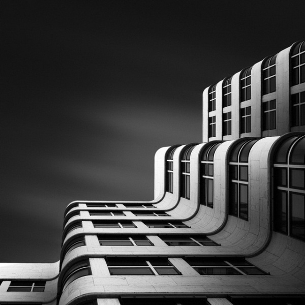 Bw fine art photographs of modern architecture by joel tjintjelaar white black photography