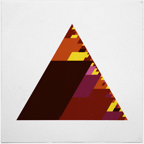 #407 The burning triangle – The prequel to #399 – A new minimal geometric composition each day