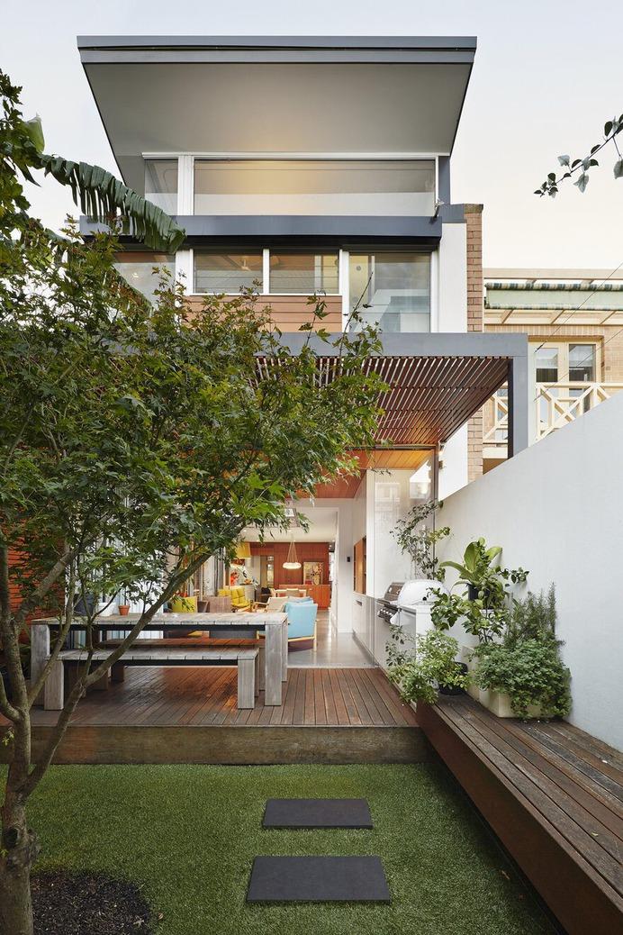 The Courtyard House / Elaine Richardson Architect