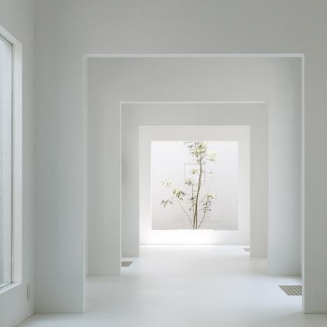 cjwho:nnChiyodanomori Dental Clinic by Hironaka Ogawan #white #room