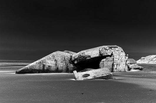 Bunker archeologie...   Flickr - Photo Sharing! #dunkerque #archeology #bunker #wwii #atlantic #wall #virilio