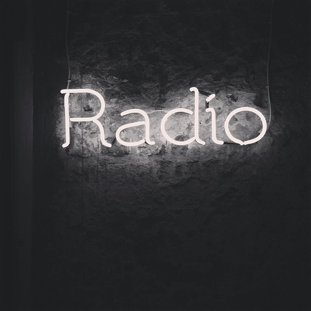Radio's Portfolio #sign #radio #neon