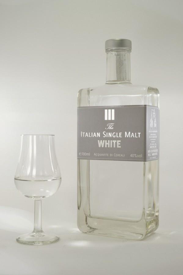 Italian Single Malt WHITE #white #bottle #clear #malt #distillate #label #italian #whisky #vodka #pure #single