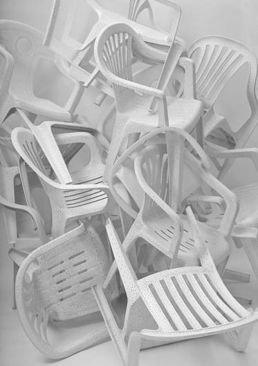 tumblr_lwfc4uq3j11qz6684o1_1280.jpg (550×780) #plastic #art #chairs