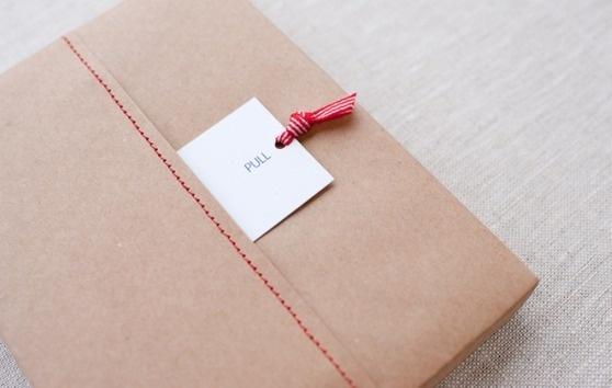 Captura de pantalla 2012 03 11 a las 21.03.02 #packaging #red #stitch #cord