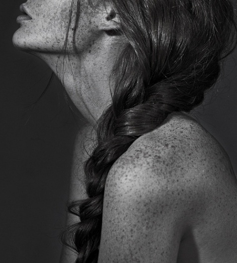 antonia magdalena #white #woman #black #and #freckles