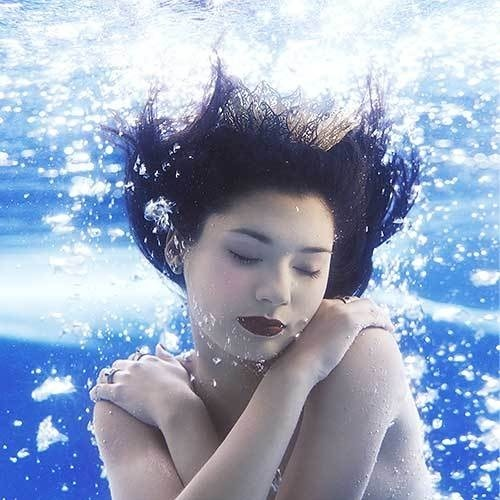 Underwater fashion and beauty #inspiration #photography #fashion #underwater #beauty