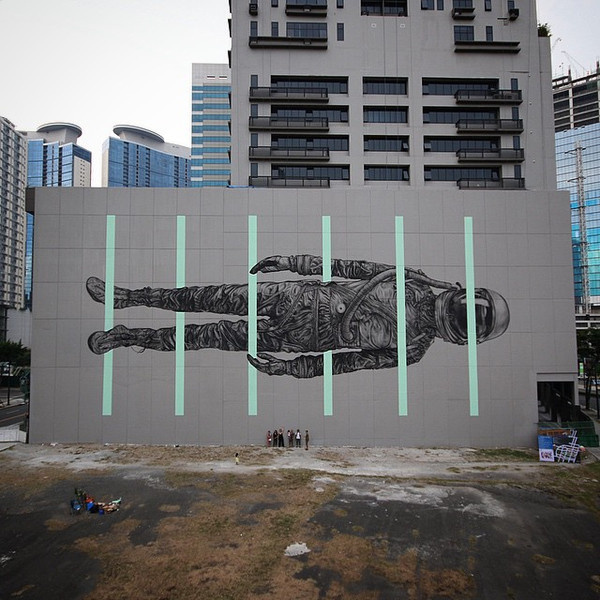 n Between the Line, a recent mural by Cyrcle in Manilla, Philippines