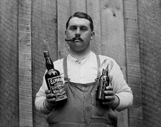 1_tumblrlefq32cuml1qzezj5o11280.jpg (600×474) #whiskey #photography #retro