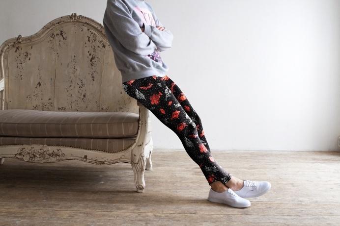 FĀNGOTA LEGGINGS by KFKS store #leggings #kfksleggings #surf #clothing #surfwear #casual #sport #yoga #yogaleggings #design #red