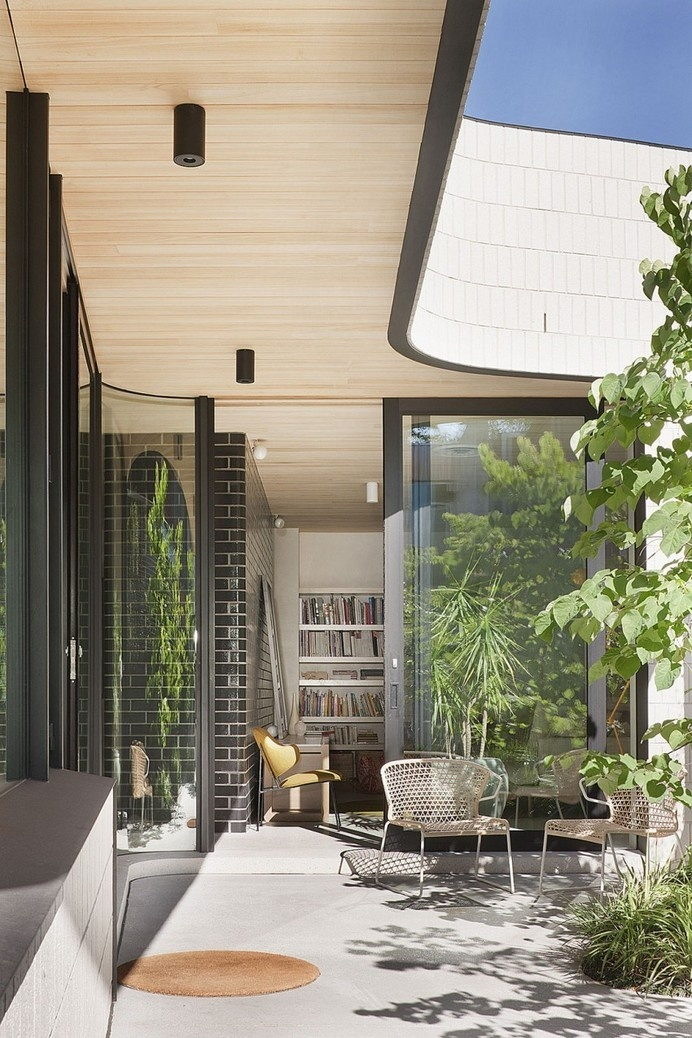 Surprising Edwardian Building Renovation in Australia: The Brick House #architecture #residence #modern