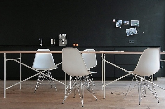 "PLASTOLUX ""keep it modern"" » MO Architekten #side #white #modern #icon #chair #furniture #mid #century #plastic #eames"