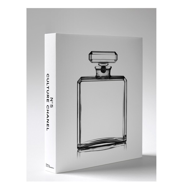 colette BOOK.N°5 CULTURE CHANEL #chanel