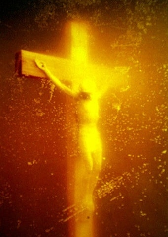 FFFFOUND! | Piss_Christ_by_Serrano_Andres_(1987).jpg (JPEG-Grafik, 355x500 Pixel) #piss #christ