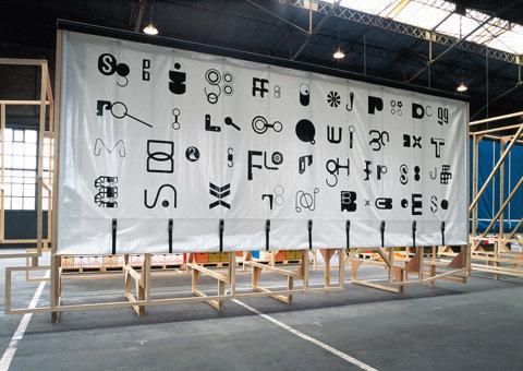 Festival de Lxe2x80x99affiche de Chaumont xe2x80x93 The/Le Garage (with Paul Elliman) 2004   Exhibition   Graphic Th #design #graphic #environment