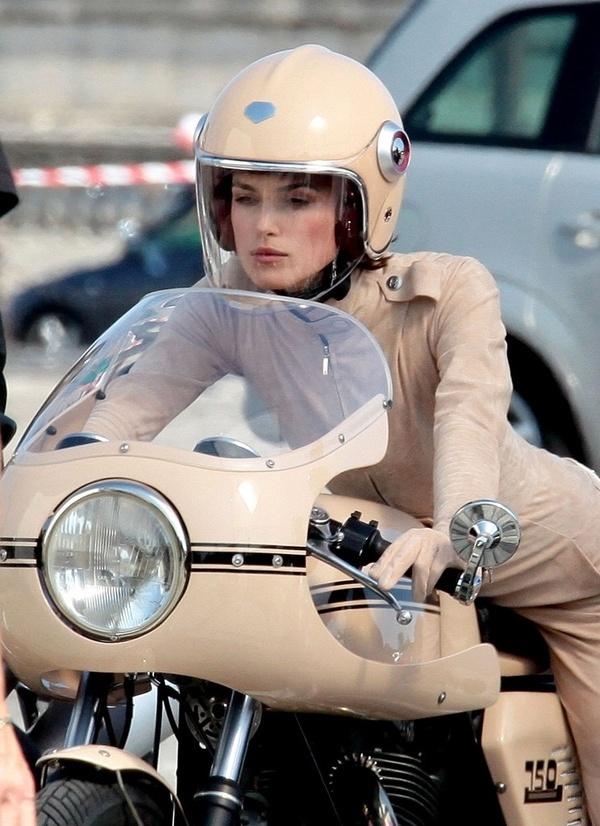 twowheels+ #beige #motorbiek