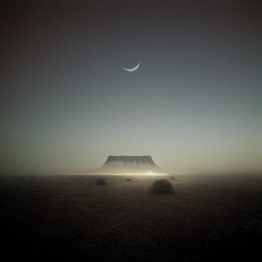 Category: Talents » Jonas Eriksson #fog #dusk #photo #cresent #twilight #moon