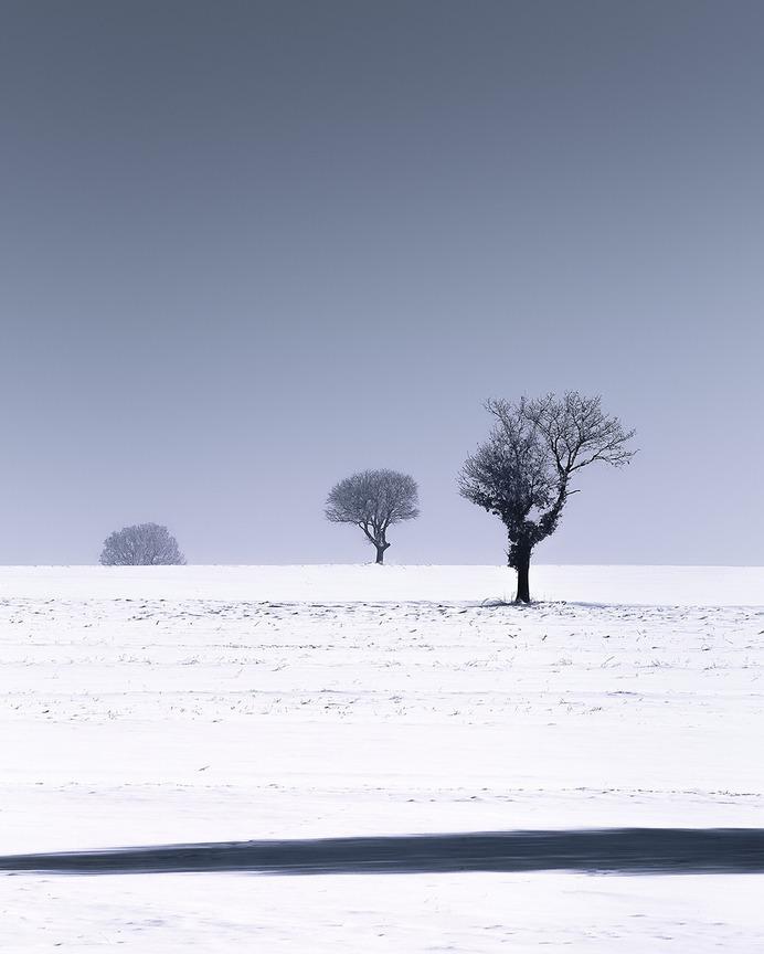 Minimalist Natural Landscape Photography by Bleron Çaka