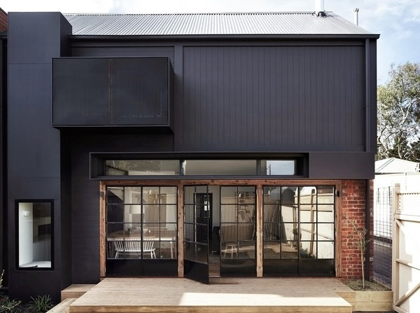 The Design Chaser: Homes to Inspire | Calm and Collected #architecture #black