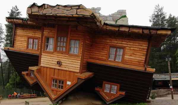 Upside Down House (Szymbark, Poland), A famous vacation spot with many guests entering the model village. #building #house #interesting