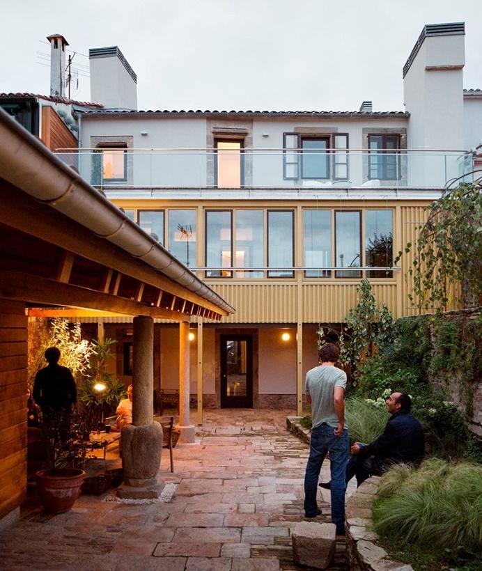Casa do Medio – Rehabilitation of a Traditional House