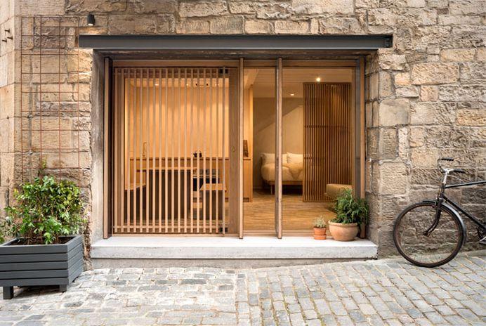 Compact Apartment in Edinburgh - InteriorZine