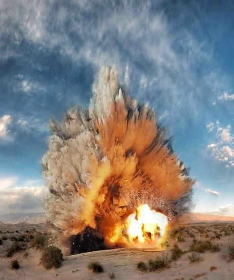 S2_Ueli Alder_Deto_eng 2 3 2 2 2 2 2 #photography #explosions #bang