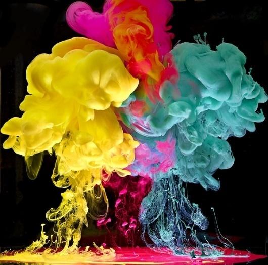 tumblr_lvuxrsgfyr1qzenhzo3_1280.jpg (600×593) #photography #colour #smoke