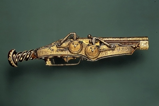 vintage #beautiful #gun #gold