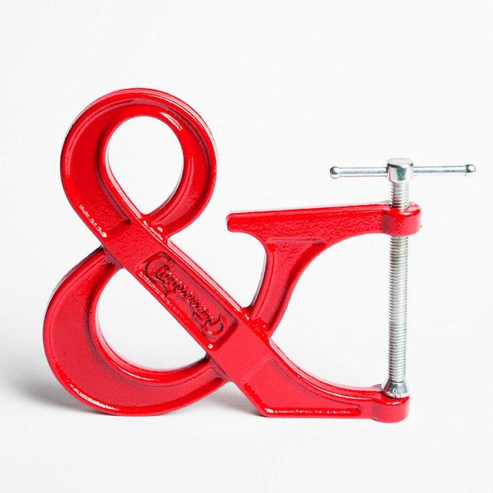 Adjustable-Clampersand-1 #sculpture #red #design #books #ampersand #letter #art #clamp #typography