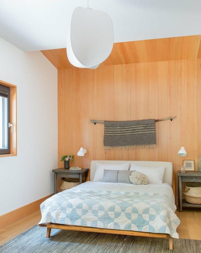 Woodsy Tahoe Cabin / Regan Baker Design