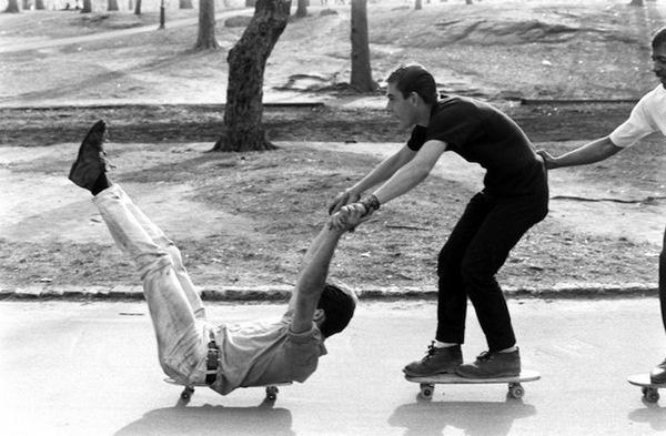 billeppridgeskateboardinginnyc_04.jpeg #b&w #oldschool #skateboard #1960s #york #nyc #new