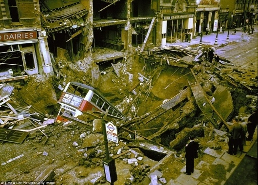 Colour pictures revealed of London blitz from Nazi bombers in World War II | Mail Online #london #wwii #bombing