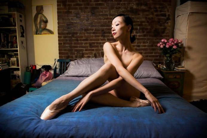 Damon Dahlen Captures Amazing Images of NYC's Ballerinas in Their Homes