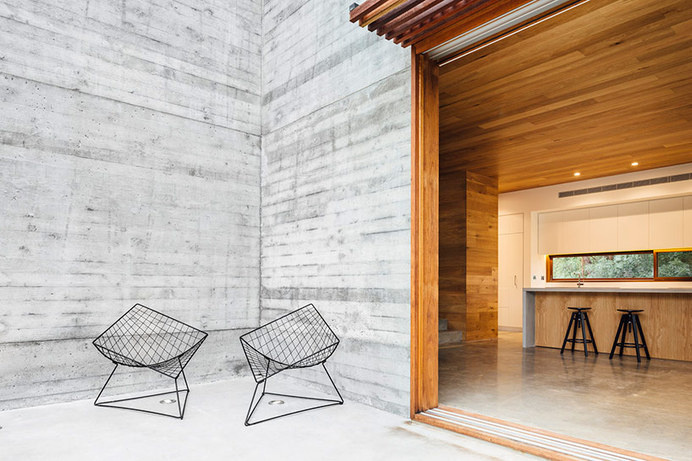 maloney architects constructs the invermay house of concrete, wood, and glass #home