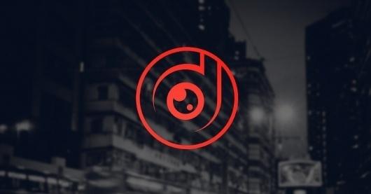 / OD - IDENTITY - roovie | Design -- Illustration #camera #lens #roovie #eye #logo