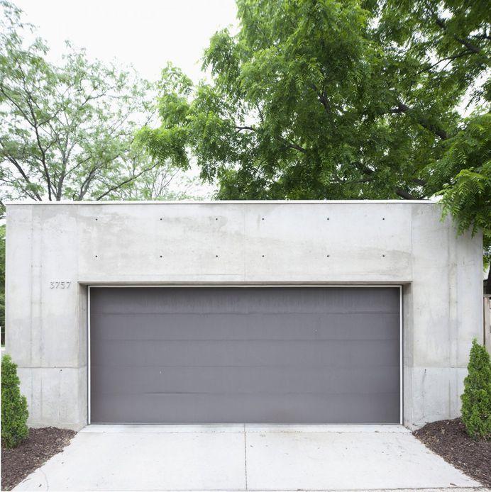 Concrete garage. B + W House by Snow Kreilich Architects. © Dean Kaufman. #garage