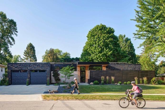 Koser Residence / Neumann Monson Architects