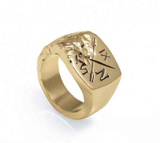 Ivy Noir / Gold Vermeil Signet Ring — SMITH/GREY Jewellery Design Studio #graphic #texture #gold #oars #ring #signet