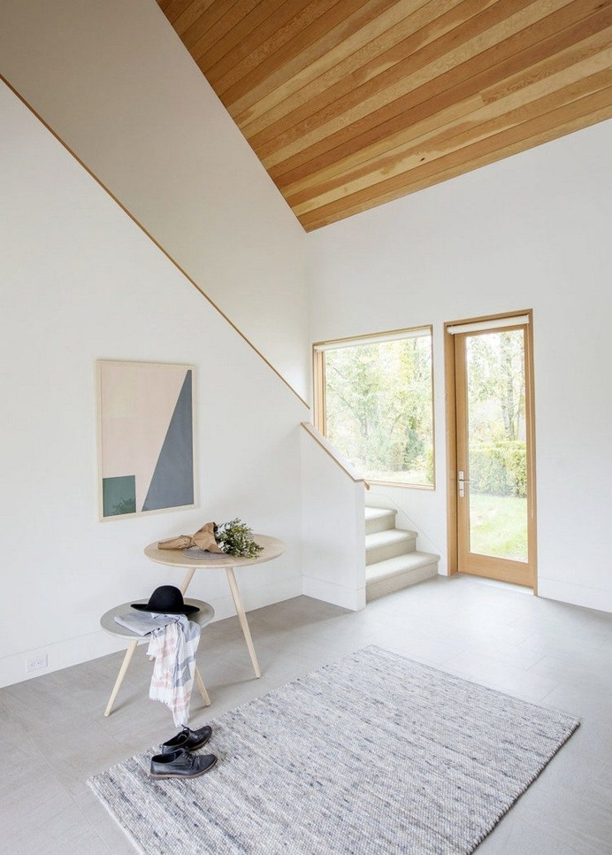 A Light-Filled Country Ranch in Rural British Columbia 3
