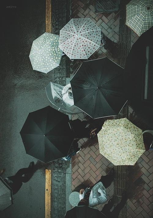 """amizyo • """"Untitled III"""" - South Korea, 2011. Gentle rain... #photography #umbrella #weather"""