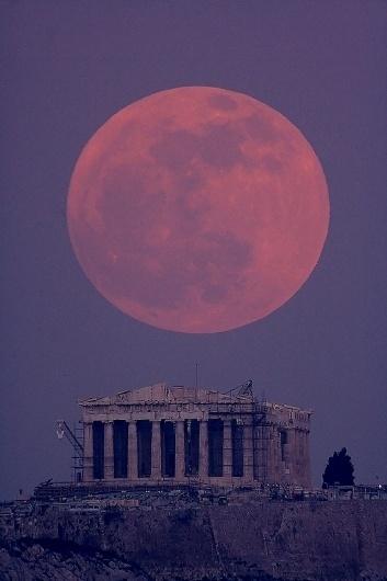 Colossal | art + design #moon #photograph #super