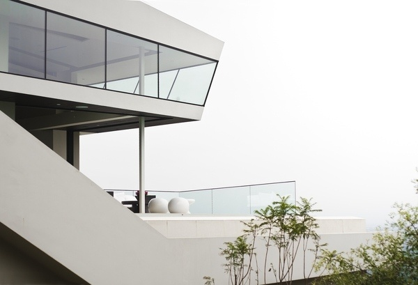 http://blog.leibal.com/interiors/residential/dt-house/ #architecture #minimalism