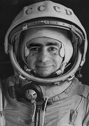 Joan Fontcuberta «Sputnik: The Odyssey of the Soyuz II» 1997. | Φrbit° sφaceφlace :: art in the age øf Φrbitizatiøn #joan #astronaut #fontcuberta #space #photography