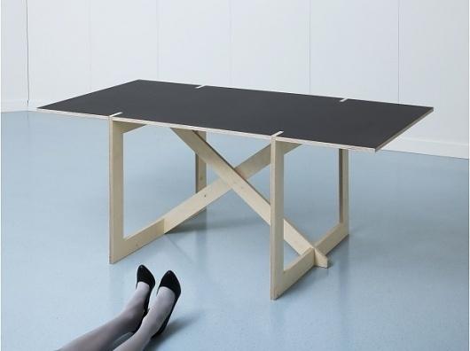 tumblr_lyrm52uhLu1qdixcio1_1280.jpg 615×460 pixels #furniture #photography #table