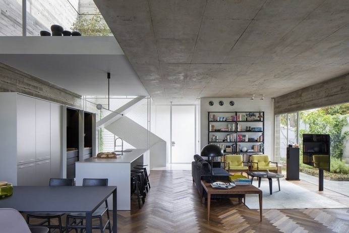 Suspended Patio House by 3322 Studio 3