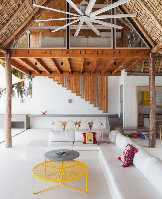 Redefine and Explore Indoor-Outdoor Living with Cincopatasalgato - #architecture, #house, #home, #decor, #interior, #homedecor