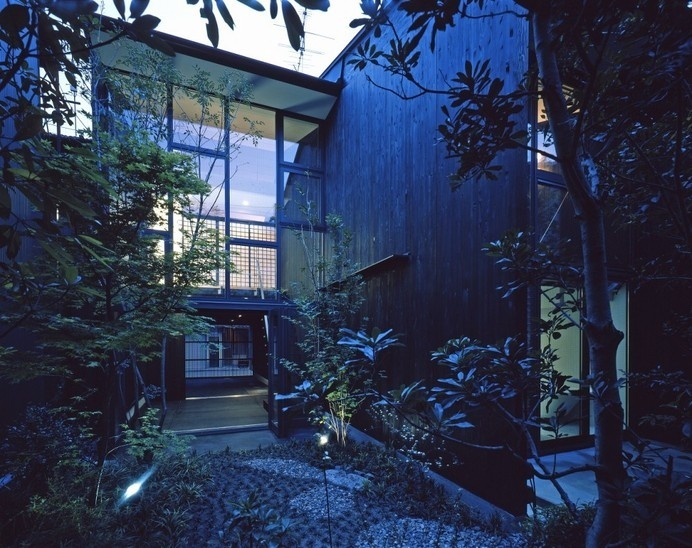 Kyoto-Model: A House With 3 Walls / Shigenori UOYA, Miwako MASAOKA, Takeshi IKEI #architecture #japan #kyoto