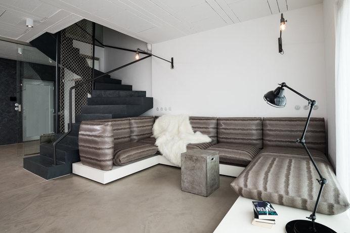 A Family Home with a Black & White Interior #interior #design #decor #deco #decoration